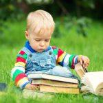 Как отучить малышей рвать книги