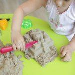 Простые способы занять ребёнка от полутора до двух лет