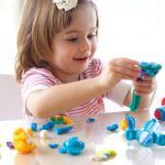 Сенсорное развитие детей раннего возраста: трогаем, нюхаем, кушаем!